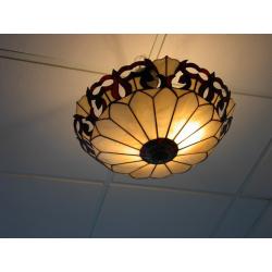 """Lámpara Tiffany de techo """"Calados"""""""